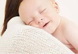 父母的擁抱撫摸可影響寶寶基因表達