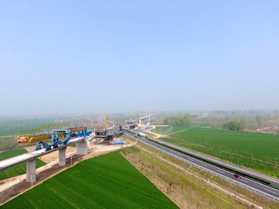 金沙大地国际娱乐:郑阜高铁转入后续施工预计明年9月通车