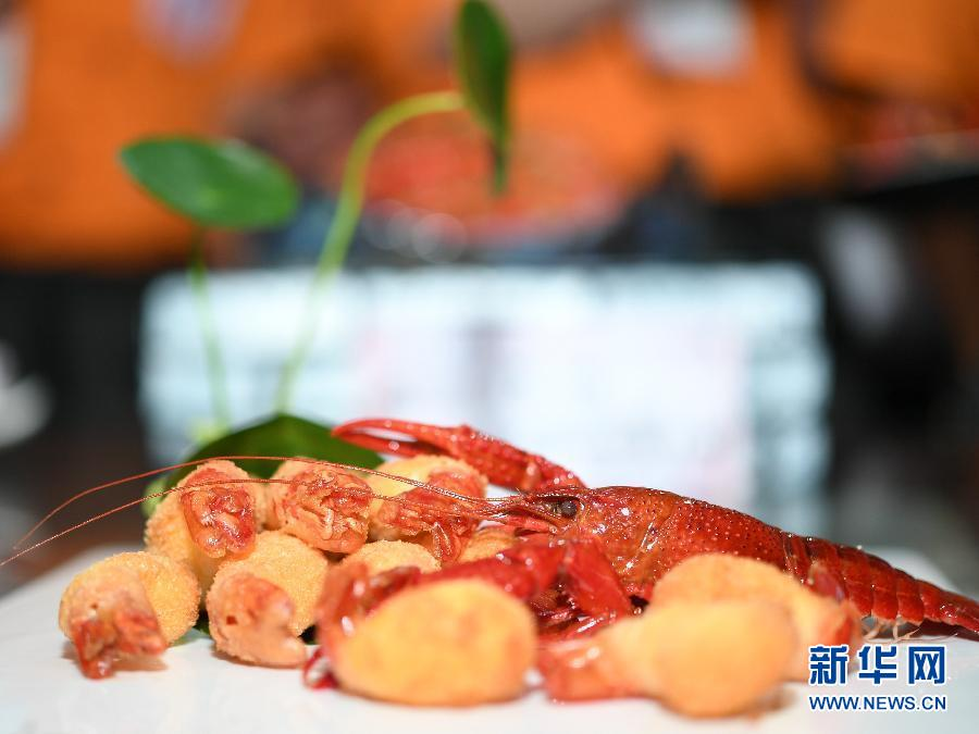 辽宁11选五信誉好:俄罗斯吃货有福啦!10万只中国小龙虾出征世界杯