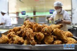 湖北发布夏季食品安全消费警示 提醒公众谨防食物中毒