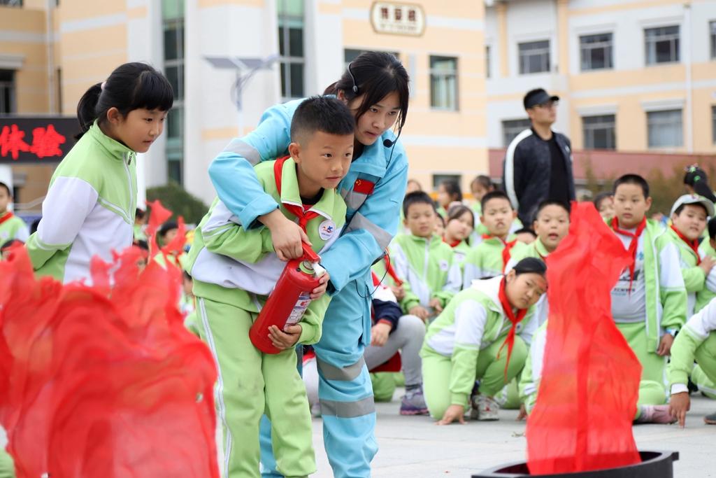山东青岛:安全体验进校园