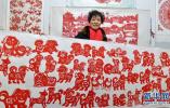 """霸州市剪纸老人""""剪""""出幸福生活"""