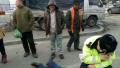 吉林街头九旬老人突然晕倒 协警发现后立即人工呼吸抢救