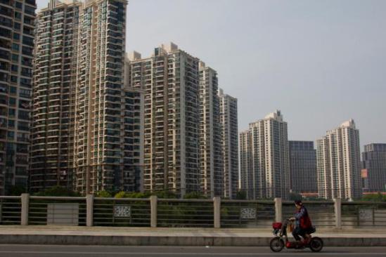 不限购城市首套房商贷最低首付比例最低可下调至20%。 朱伟辉 澎湃资料