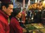 马英九菜市场采购年货 商贩:以前你妈经常来买鸡肉
