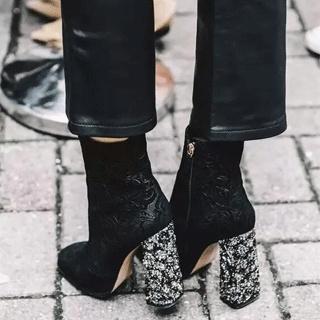 喜欢霸气又时髦的短靴吗