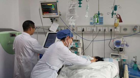 新春走基层|杭州肿瘤医院icu:白衣天使守平安