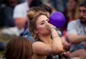 """姑娘说自己被绑架,原来是""""嗨气球""""产生幻觉"""