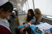 青岛大型无偿献血活动昨启动 再吹爱心集结号