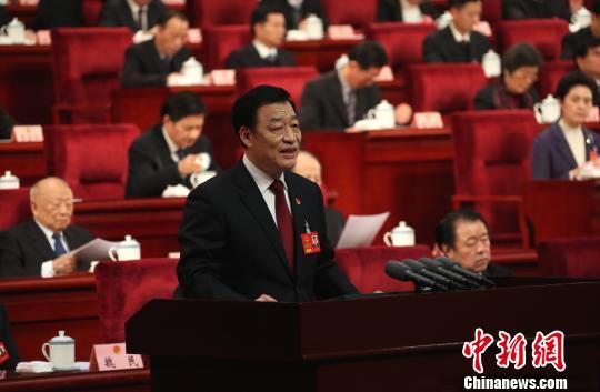 图为1月23日,江西省人民政府省长刘奇作政府工作报告。(资料图) 刘占昆 摄