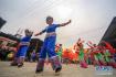 湖南湘西:人们载歌载舞 欢欢喜喜迎新春