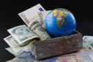 英媒:全球经济增速将回调 周期性增长将成态势
