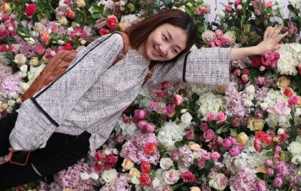 玫瑰文化节绽放中国美妆小镇