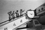 揭秘中国第一批空姐:高中毕业 会一门外语