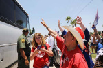 美国多地23日举行抗议活动,呼吁帮助非法入境者与子女团聚