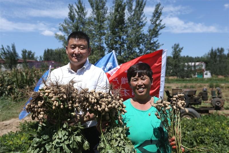 【奋进新时代 出彩河南人】李国建:治病又增产让中国人吃上绿色健康粮