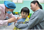 疫情當前,怎樣帶孩子打疫苗?