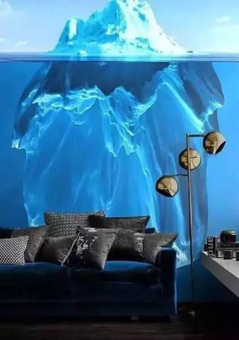 蓝色的海底世界与深蓝色的沙发交相辉映,处在其中就好像生活在童话般的海底世界。