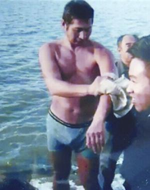 哈尔滨一男子35年救起11位落水者