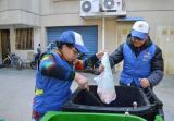 宁波有一群翻垃圾桶的老人:用行动感染身边人主动垃圾分类