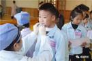 幼儿园组织的牙齿涂氟治疗 你家孩子参加了吗?
