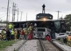 美国费城发生火车相撞事故造成33人受伤