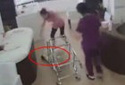 韩护理师推翻婴儿车
