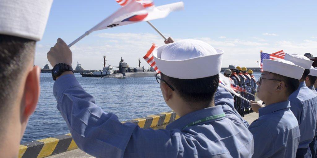 美韩出动航母联合演习