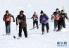 500少年投身冰球,10座滑雪场覆盖全省 会玩的浙江人开始玩冰雪项目了