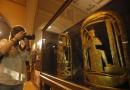 沉睡百年的埃及金饰首公开