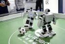 中国机器人踢足球