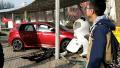 郑州一高校教师校内驾车连撞四人 一学生重伤