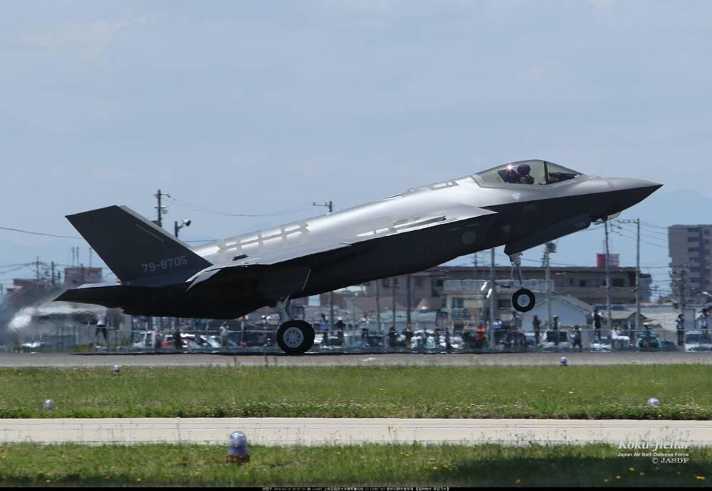 日本又炫耀F35战机