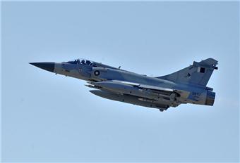 """阿联酋 官媒:一客机被卡塔尔战机""""拦截"""""""