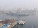 中国第一艘国产航母13日清晨离开码头开始海试