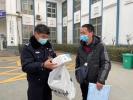 河南高速交警为民解忧暖人心 群众感谢送口罩