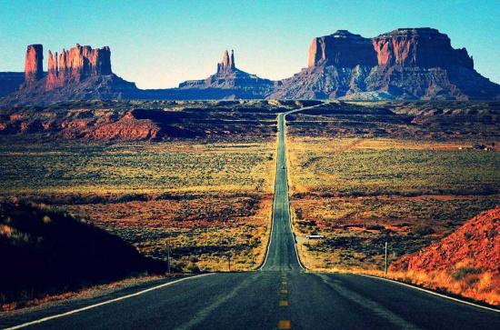 驾驶牧马人穿越摩押这样的路才叫真越野