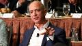 亚马逊CEO杰夫·贝索斯可能独力扼杀通货膨胀