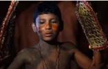 16个原始部落的成人仪式:残忍到害怕长大