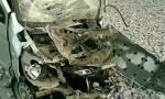 鞍山20米长重卡侧翻 几十吨石块洒落司机生命垂危