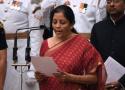 """印度女商务部长""""变身""""防长 或斥10亿增购军备"""