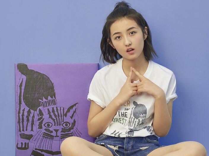 张子枫投身公益
