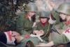 冯小刚《芳华》讲述的那场战争:中国女兵不畏生死如铿锵玫瑰
