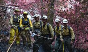 美国加州北部山林大火火情缓解