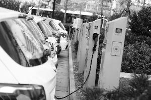 """新能源车补贴退坡传闻发酵 龙头车企称""""影响不大"""""""
