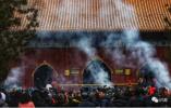 大年初二,北京市长陈吉宁暗访雍和宫地坛庙会