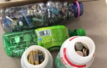 浙江金华一市民收集废旧电池多年,环保部门上门回收