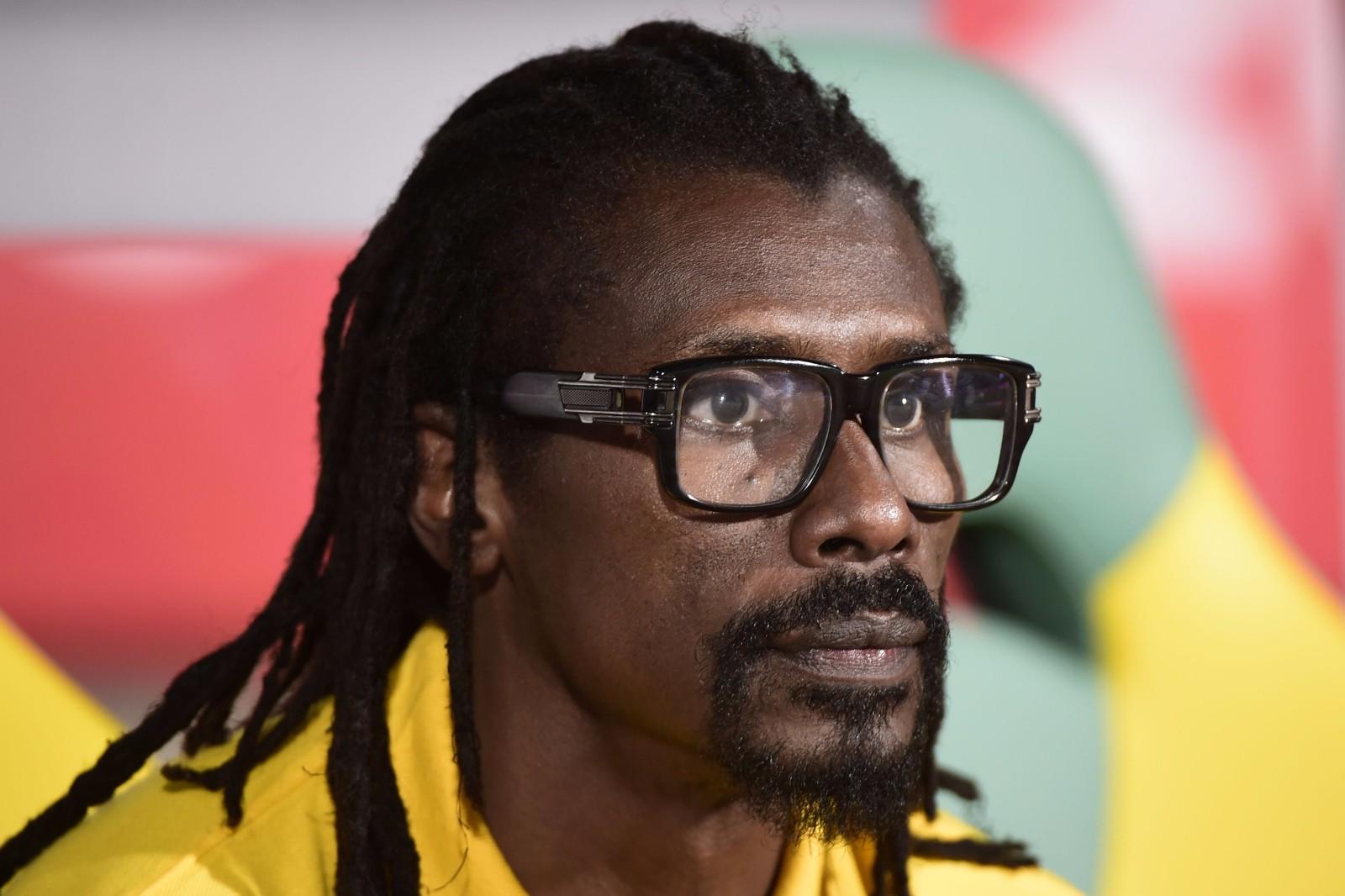 图为2017年1月28日,塞内加尔队主教练西塞在2017年非洲杯四分之一决赛对阵喀麦隆队的比赛中。