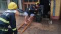 甘肃岷县遭遇强对流天气疏散300余人 1人被洪水冲走遇难
