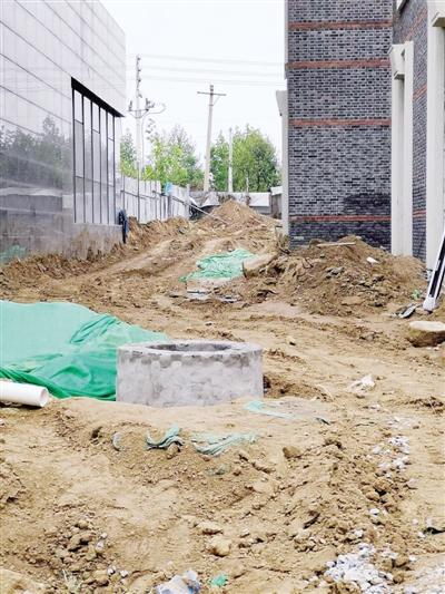 新密市多个工地黄土裸露 观澜居项目